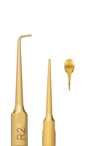 Tip R2 for cleaning the root canal in the front